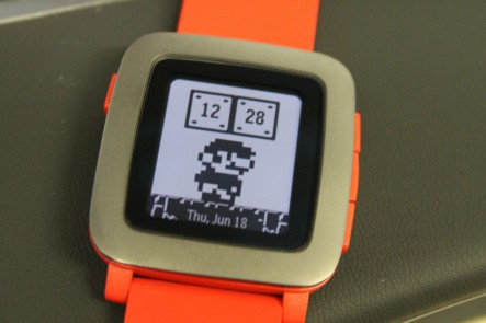 Pebble Time im Mario-Style