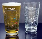 PP2721PM_pac_man_colour_change_pint_glass_lifestyle_800x800-800x800