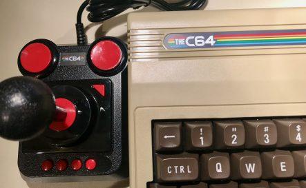 C64 MicroComputer mit Joystick